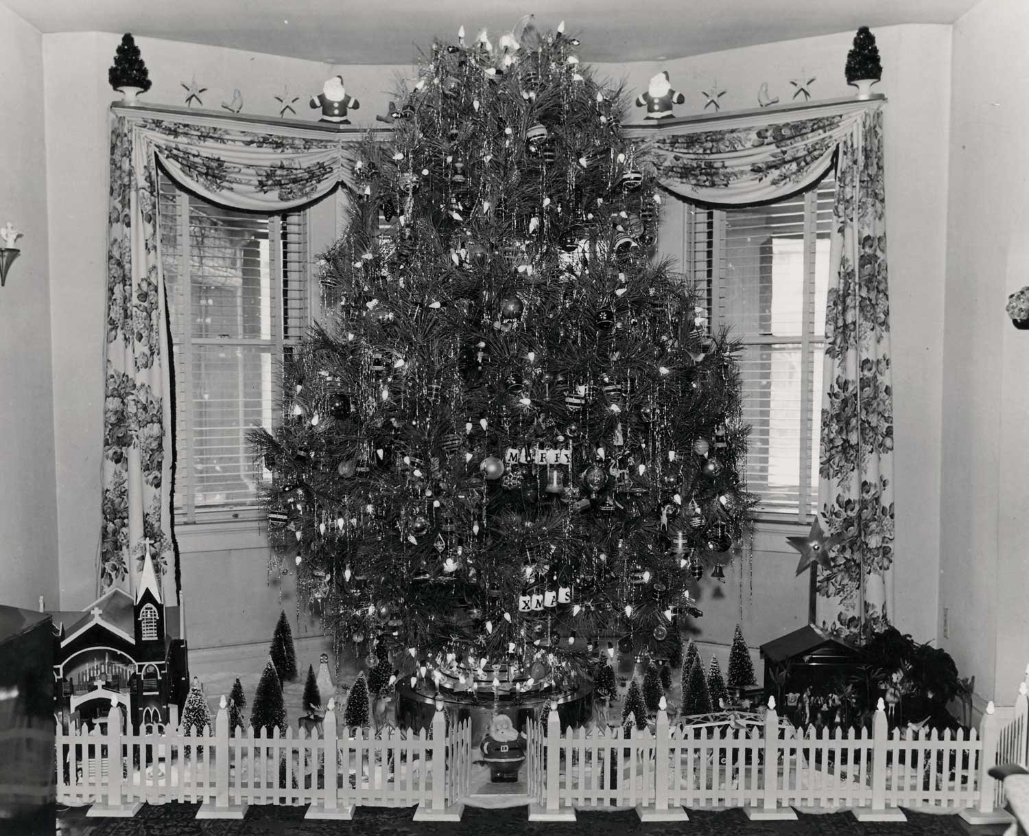 Vintage Christmas Photographs From The 1930s