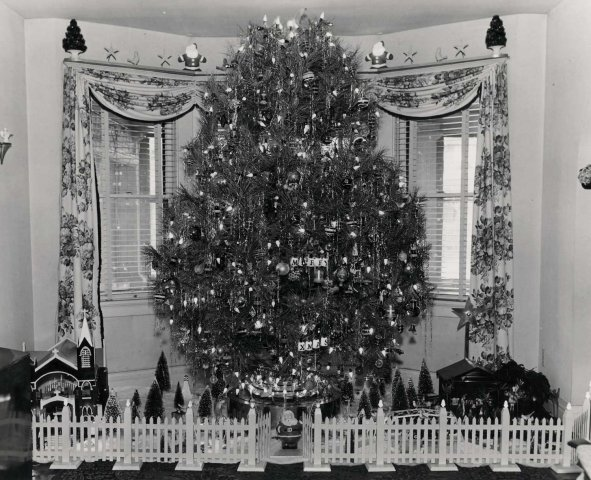 1950s christmas tree photo - 1950s Christmas Decorations