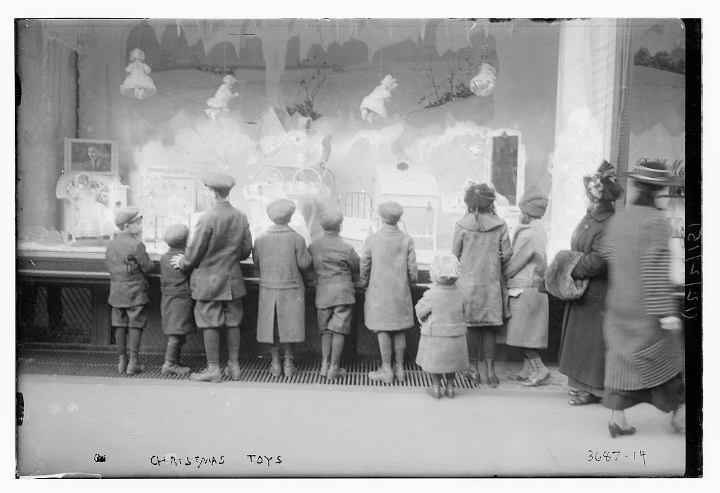 Vintage christmas photographs predating 1920 for 1920s window